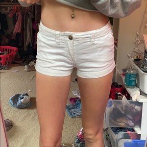 white hollister shorts!